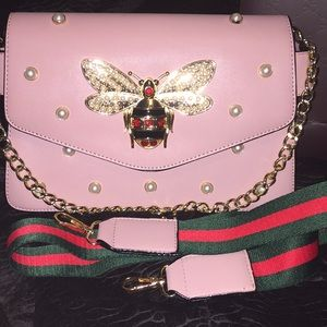 Super gorgeous Pearly bee pink Handbag NWOT