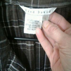 Women's long sleeve button up shirt like new o