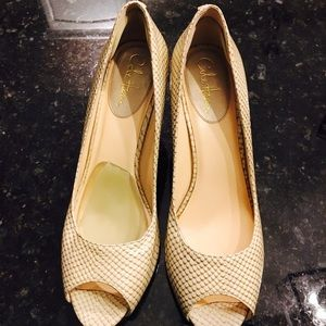 Cole Haan 10.5B peep toe pumps