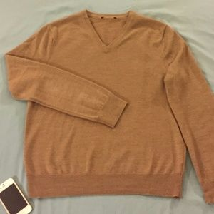 Express Tan/Camel Brown Merino V-Neck Sweater (MD)