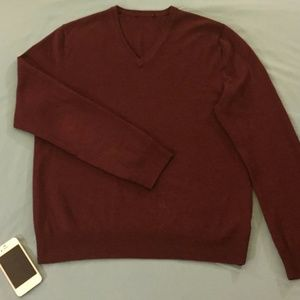 Express Maroon/Burgundy Merino V-Neck Sweater (MD)