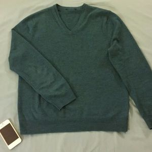 Express Teal/Green Merino V-Neck Sweater (MD)