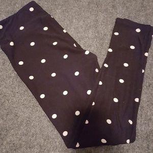 Black Polka dot Lularoe leggings