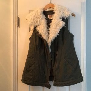 Hunter green vest size m