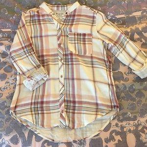 Light flannel/plaid shirt