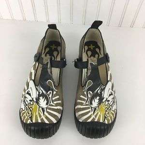 Dr. Martens Courtney T-bar Skull Design Air Wair