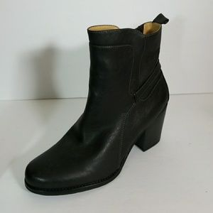 Naturalizer Tiffany Black Ankle Boots Size 11