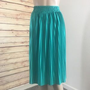 Bisou Bisou teal pleated skirt