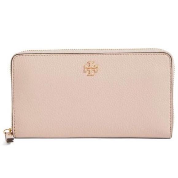 73639645067b Tory Burch Frida Zip Continental Wallet light pink