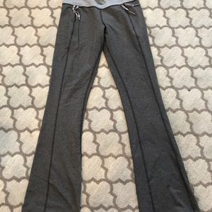 Lululemon long pant with pull strings at waist
