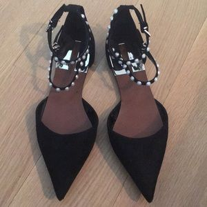 Flats with faux pearls