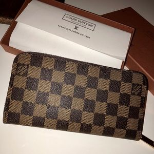 LV Zippy Wallet Brandon new