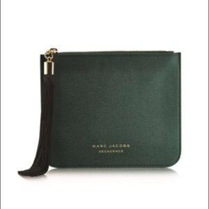 🆕 {Marc Jacobs} • green satin decadence clutch