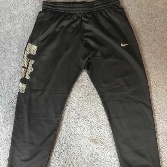 separation shoes b5411 70042 Lebron James Nike sweat pants