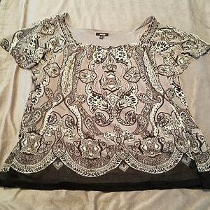 Woman's Short Sleeved Shirt