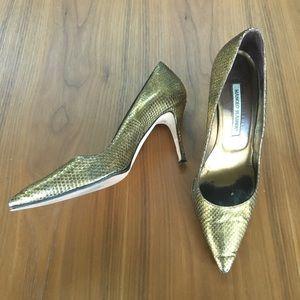 MANOLO BLAHNIK Gold Snakeskin Cut Pumps