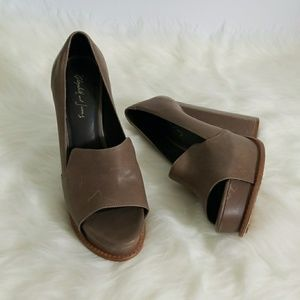Elizabeth and James Peep Toe Block Pumps Size 7.5