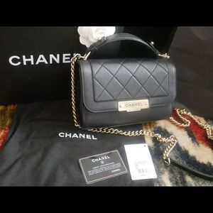 Barely used Chanel Lambskin Bag w Handle