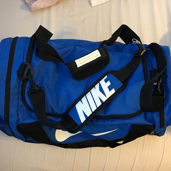 b01a09ec90 royal blue nike duffle bag. M 5a1061c2522b45b76001f76f