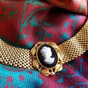 Jewelry - Mesh Cameo choker necklace gold tone Victorian