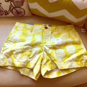 Old navy pineapple shorts 🍍