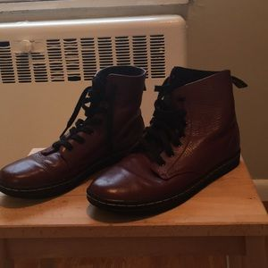 Dr Marten Leyton boots