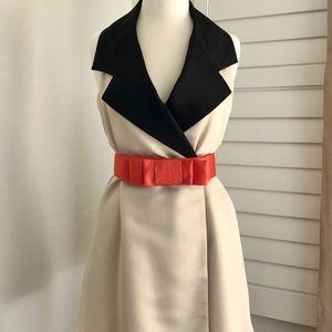 Sleeveless pleated swing coat/dress