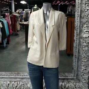 🦄LAUREN CONRAD 3/4 Ruched Sleeve Blazer