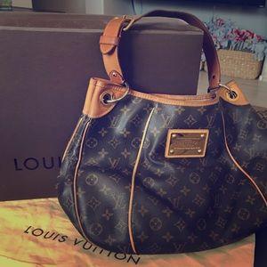 Louis Vuitton Galliera Hobo *Classic*