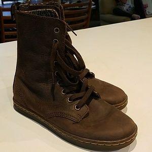 Dr. Marten Brown Boots