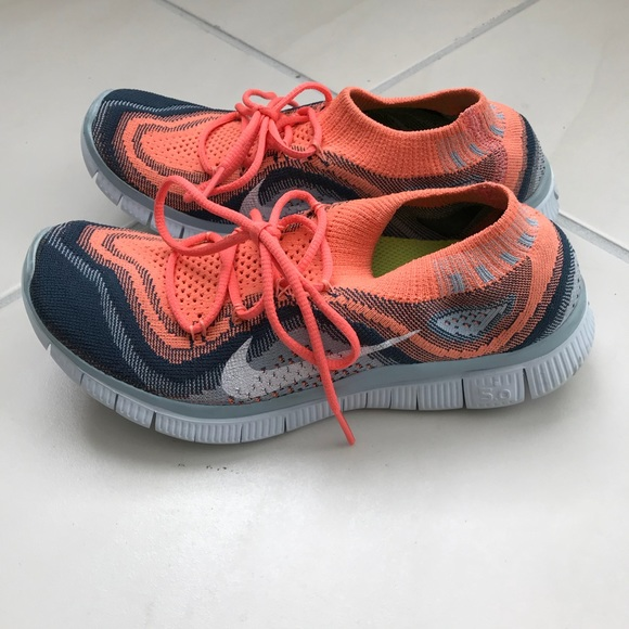 Womens Nike Free Run 50 Coral Grey White  342a5dd77