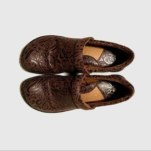 Born Concept Clogs Peggy b.o.c. Brown Shoes Tooled