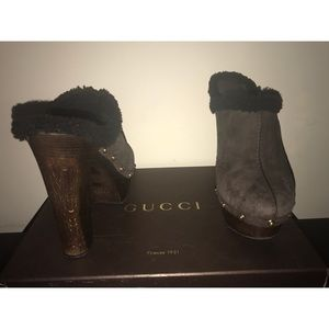 Authentic Gucci Shearling Montana clogs