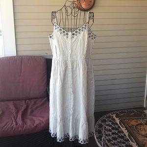 Madewell Blue/Creme Peasant Button up Midi Dress