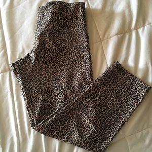 Onzie Cheetah Crop Leggings