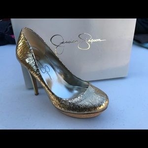 Jessica Simpson TANEALA Gold Cracked Metallic