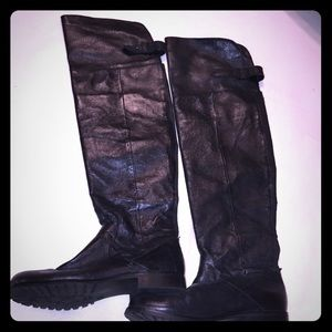 Genuine Leather Steve Madden boots!