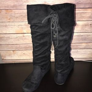 Black Laced Back Gathered Boots