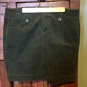 Old Navy corduroy  skirt forest green size 10