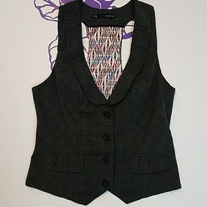 Maurice's grey plaid collared vest.           0207