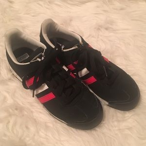 Black/Red Adidas Sneakers