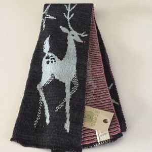 Green 3 Accessories - 🎁 Brown and Red Deer Scarf 🎁