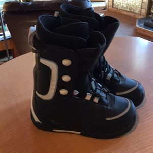 Men's BRAND new snowmobile boots!