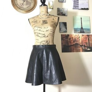 American Eagle Outfitters faux leather skirt Sz 10