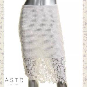 ASTR Wht Lace Overlay Illusion Pencil Skirt