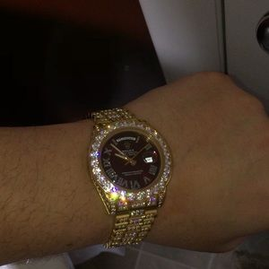 Red face presidential watch