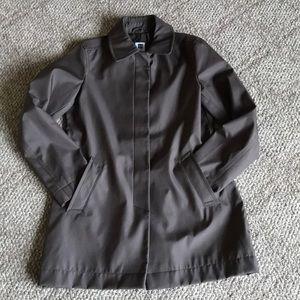 Gap rain coat. Dark brown wind rain resistant