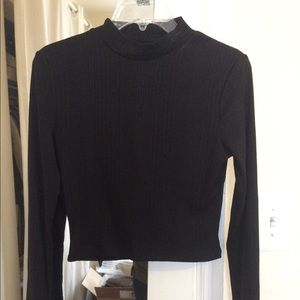 Black mock neck crop top