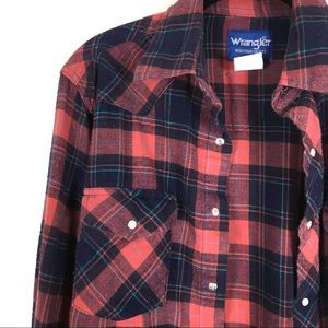 Wrangler plaid flannel boyfriend shirt.