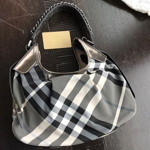 Burberry black and white hobo with chain strap